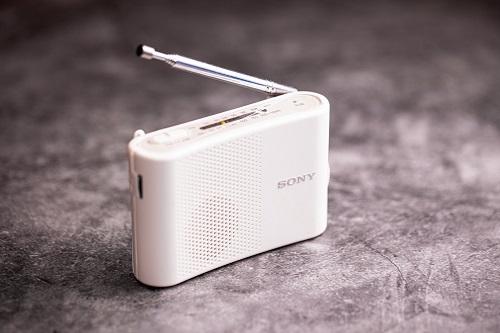白いラジオ